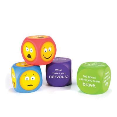 Grote zachte emoji dobbelstenen (set van 4)